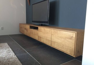 Wit hoogglans dressoir meubel of massief houten tv meubel?