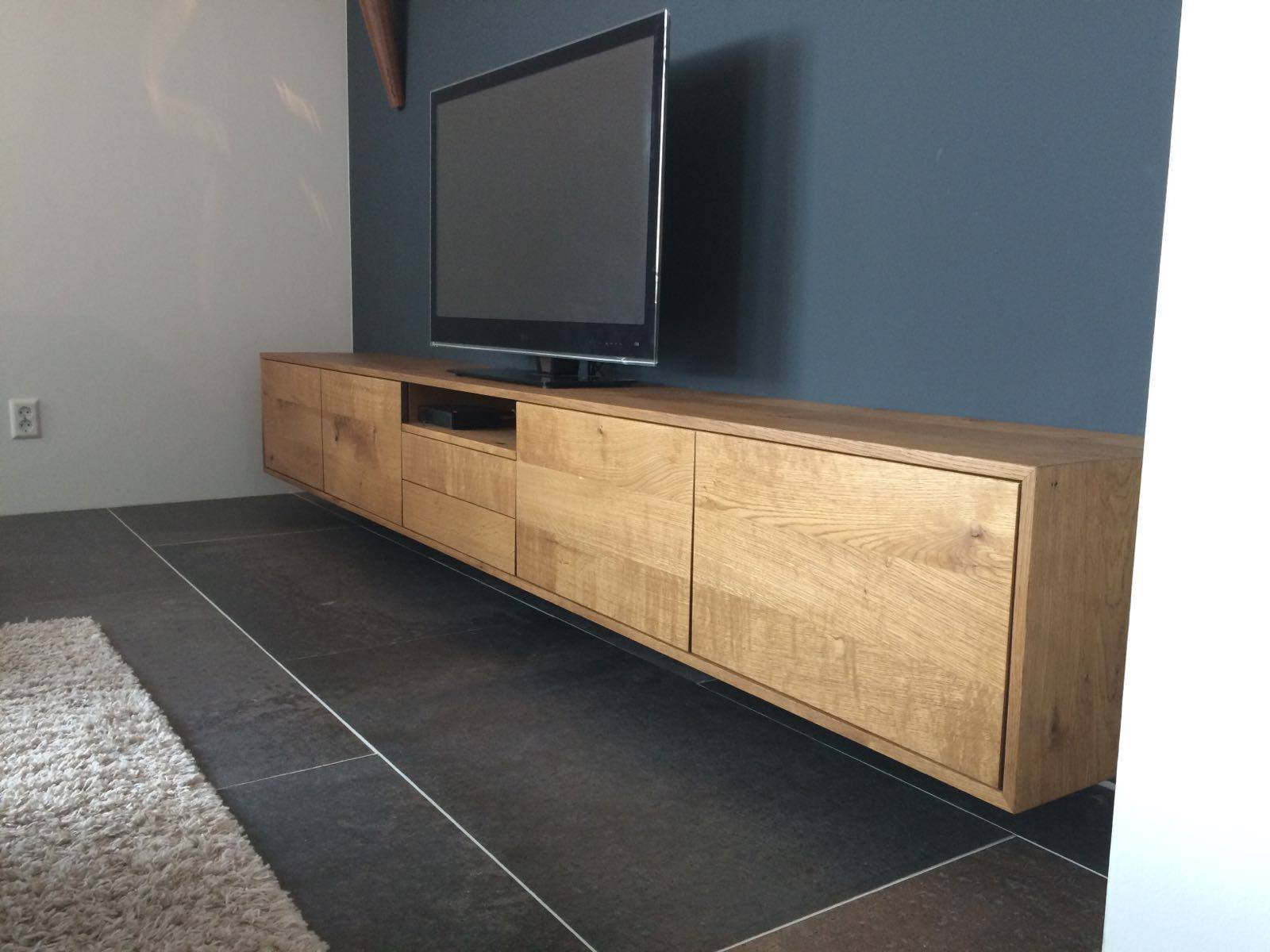 Wit hoogglans dressoir meubel of massief houten tv meubel